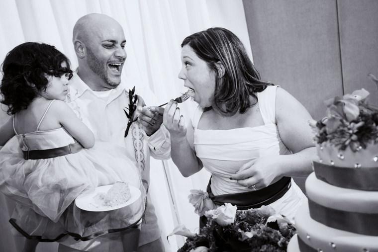 cmac wedding photographer spring reception cake cutting